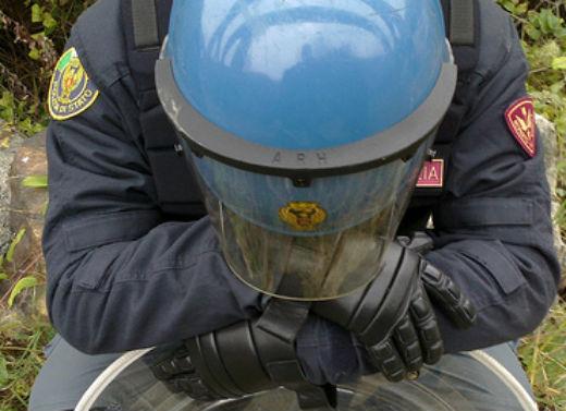 poliziotto ferito causa di servizio